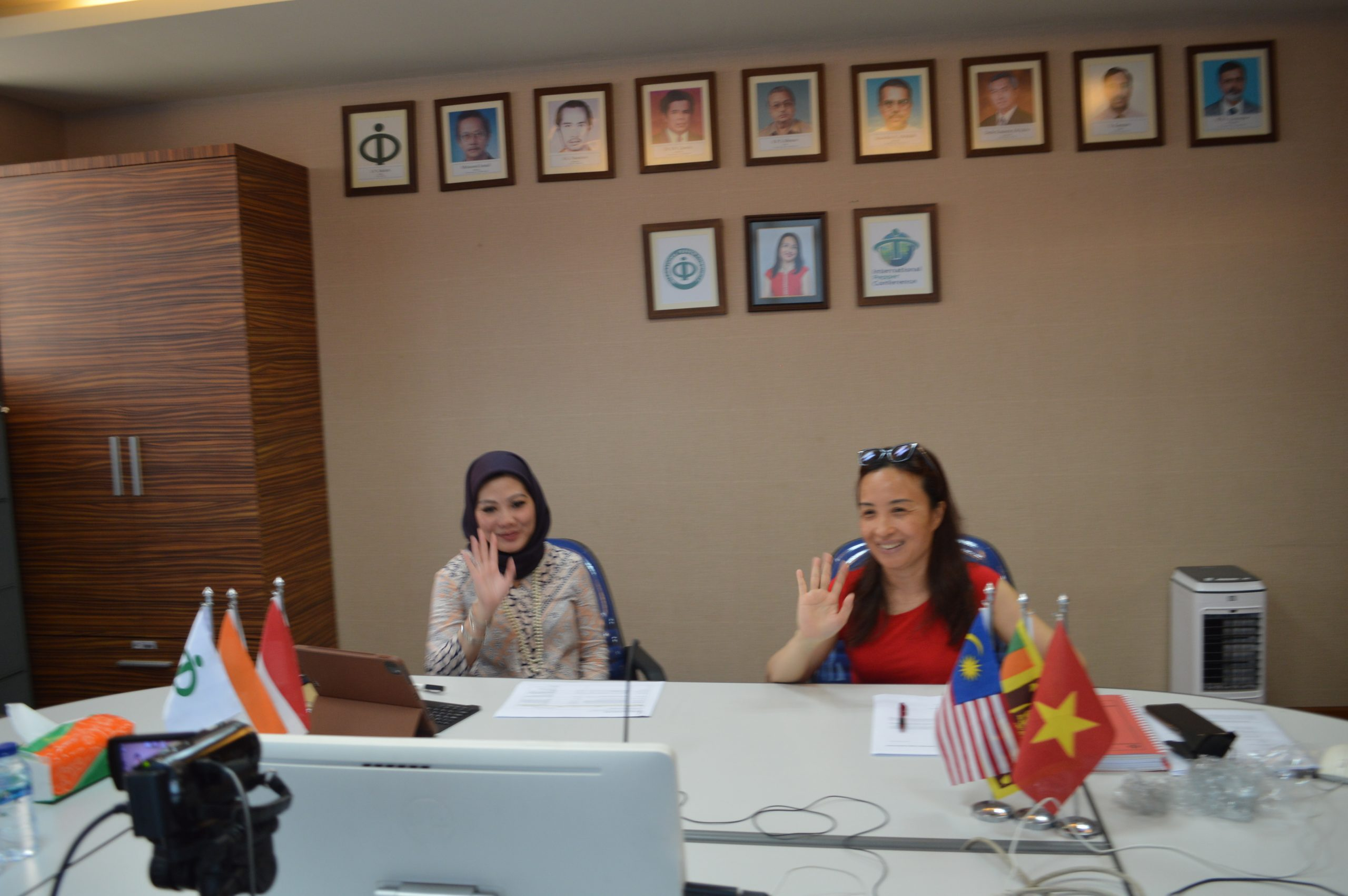 Handing Over Session of Executive Director IPC